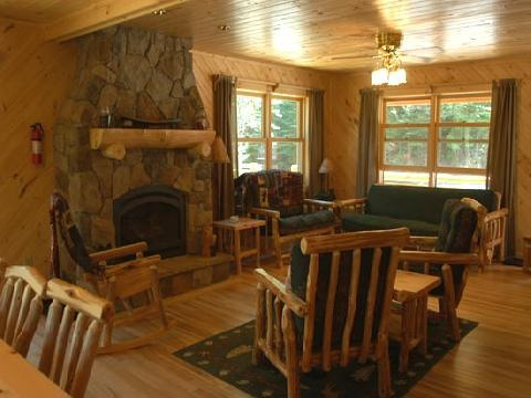 DIAMOND WILLOW RETREAT, Deluxe, Fireplace - Image 1 - Ely - rentals