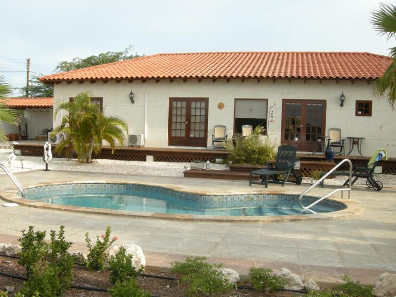 Rooi Santo - Image 1 - Oranjestad - rentals
