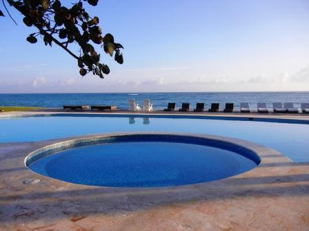 pool - Seawinds, 1 bedroom beachfront penthouse fully a/c - Cabarete - rentals