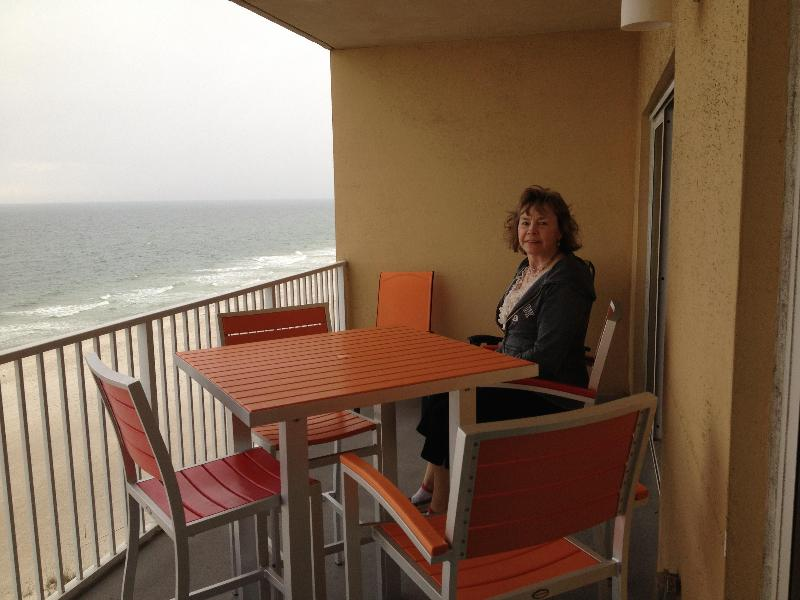 Large Double Deck with great views as for as you can see - Best Location,Newest on E.Beach, 2 bdr plus Bunks. - Gulf Shores - rentals