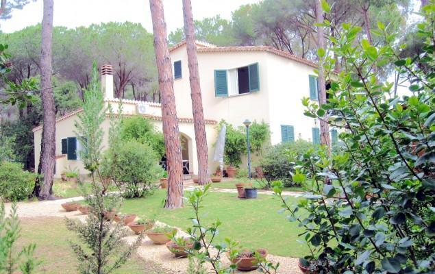 Front - Villa Capelvenere, 7sleeps big garden by the beach - Pula - rentals