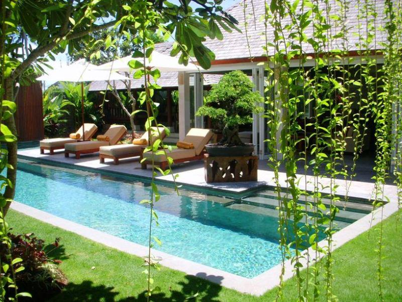 Across the pool to the Living Pavilion and BBQ area - Villa Tenang Seminyak - Kuta - rentals