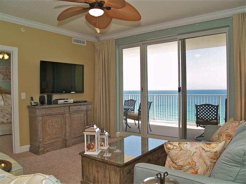Gorgeous living room with all the comforts of home - GORGEOUS 2/2 Ocean Reef condo! FREE BEACH SERVICE! - Panama City Beach - rentals