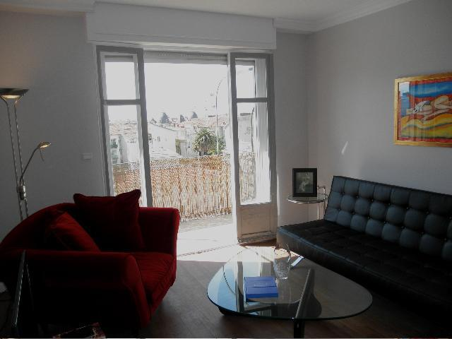 Living room with terrace that connects both living room and kitchen. - L'ART DES AMIS, Nice, France - Nice - rentals