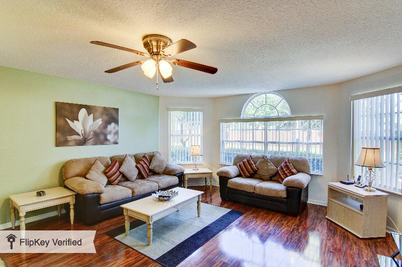 Refurbished Disney Home with WiFi, Pool, and Air Conditioning - Image 1 - Kissimmee - rentals