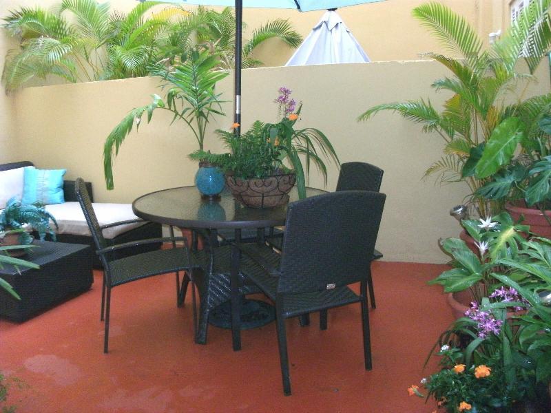 'Al Fresco' Dining in patio garden - Colonial Bldg- 2Bd LOFT Old SJ w/Private Patios! - San Juan - rentals
