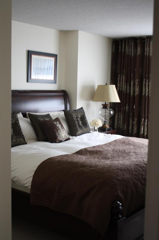 Master bedroom - LUXURIOUS 4 1/2 WESTMOUNT APARTMENT - Westmount - rentals