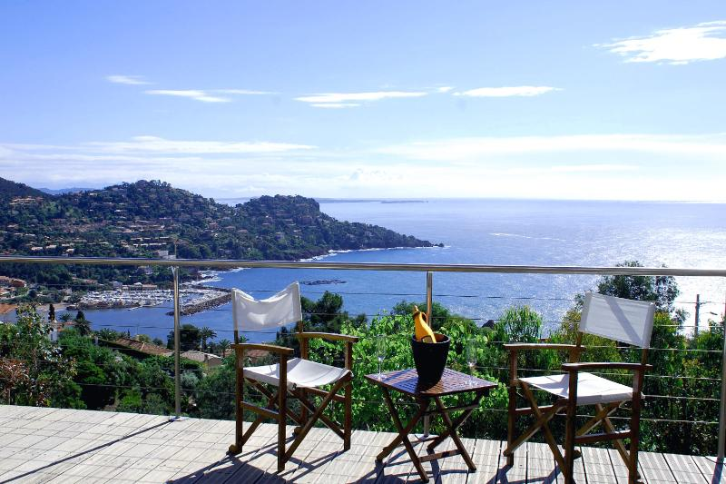 The view from the lower terrance - Lovely Villa, heated pool, dazzling sea views - Théoule sur Mer - rentals