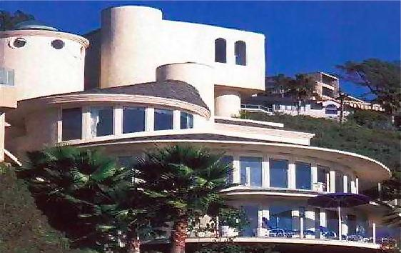 THE ROUND HOUSE OVERLOOKING ALISO CREEK BEACH - ROUND HOUSE OF LAGUNA BEACH perched over beach - Laguna Beach - rentals