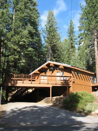 Front of house - Quiet, Cozy Mountain Home In Tahoe Donner, Dogs OK - Truckee - rentals