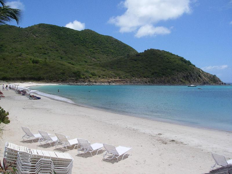 Beach - 2 bedrooms by the sea - Anse Marcel - rentals