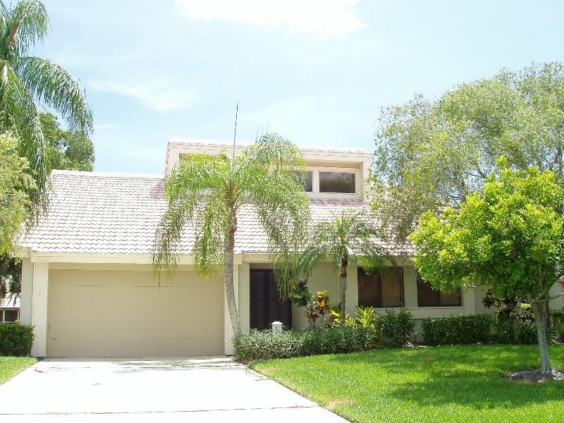 Home with 2 car garage - Canal front home in gated community - Nokomis - rentals