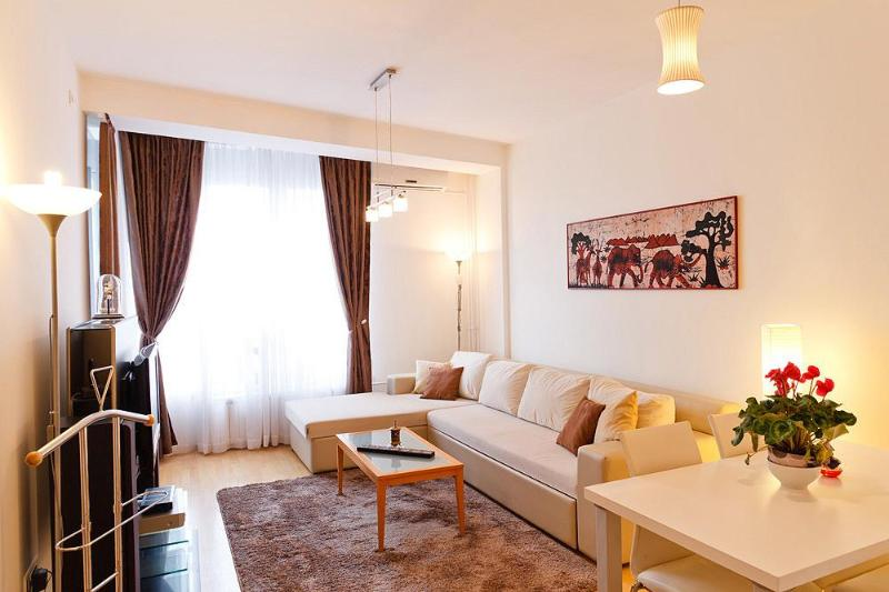 Beautiful & New CENTRAL Apartment with PARKING! - Image 1 - Belgrade - rentals