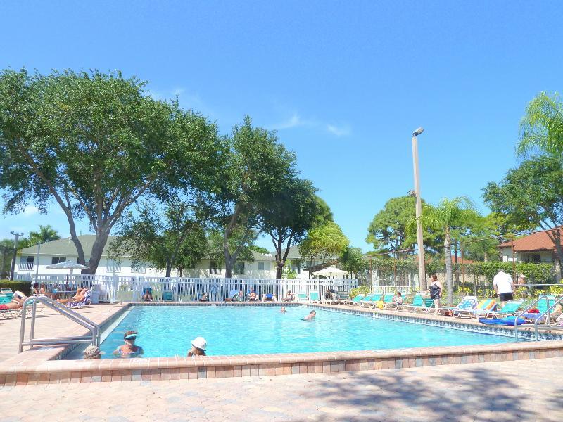 Pool - Beautiful 1st floor unit close to Beaches and IMG - Bradenton - rentals