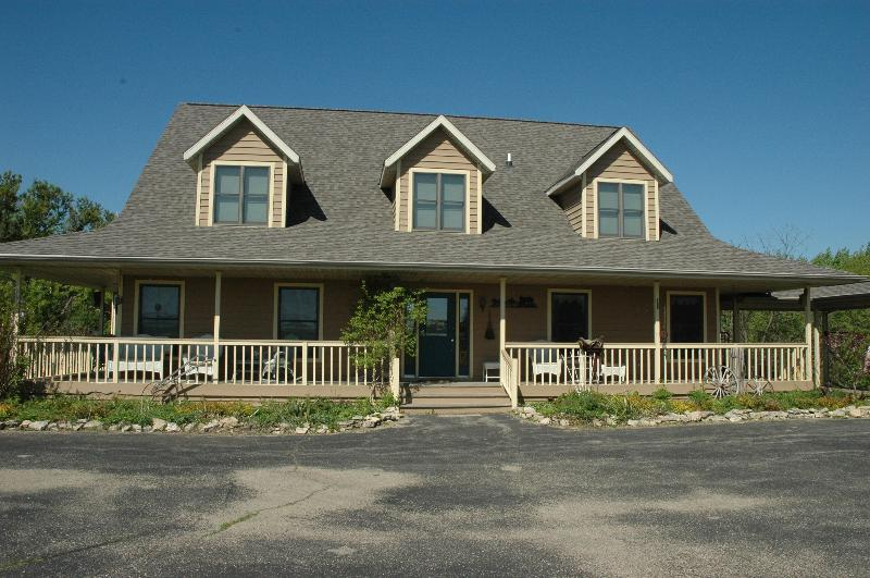 Cedar Ridge and Lodge & Stable - Image 1 - Ripon - rentals