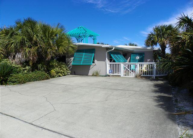 This home is private with fenced front and back yard and lots of palm trees. - Via De Luna 301 - Pensacola Beach - rentals