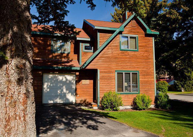 Exterior - front - 4 bedroom S. Cache condo - Convenient Jackson Hole Location! - Jackson - rentals