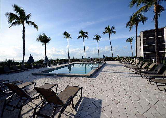 Pool - One bedroom condo at the Sundial Beach Resort - Sanibel Island - rentals