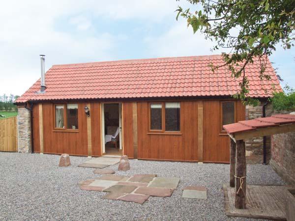 THE CALF SHED, WiFi, romantic retreat, woodburner, in Adsett, Ref. 29559 - Image 1 - Westbury on Severn - rentals