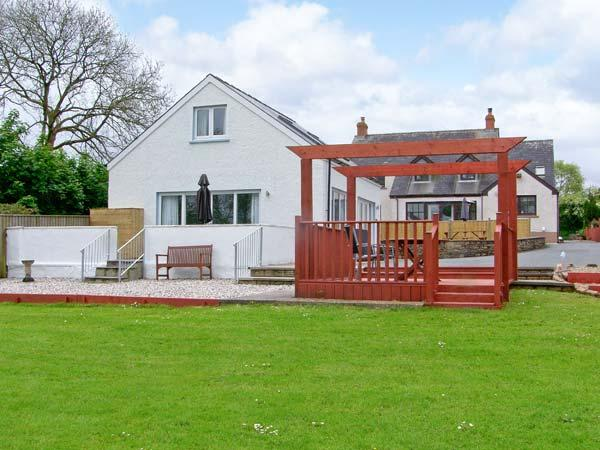 TY GWYN, semi-detached cottage, enclosed decked area, games room, near Narberth, Ref 30481 - Image 1 - Templeton - rentals