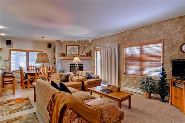 Appealing Breckenridge 2 Bedroom Walk to lift - ALA11 - Image 1 - Breckenridge - rentals