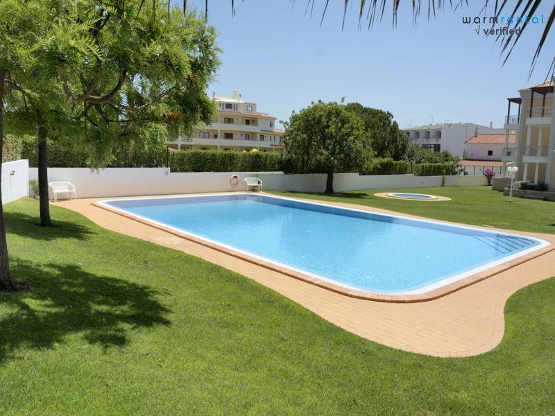 Pool  - Compas Green Apartment - Olhos de Agua - rentals