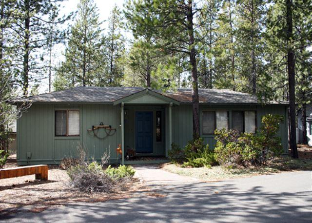 "Close To The Village and SHARC, Hot Tub,50"" TV,6 Unlimited SHARC Passes - Image 1 - Sunriver - rentals"