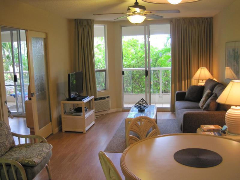 Living Room - Kihei, Maui  - Maui Banyan - Steps from the beach - Kihei - rentals
