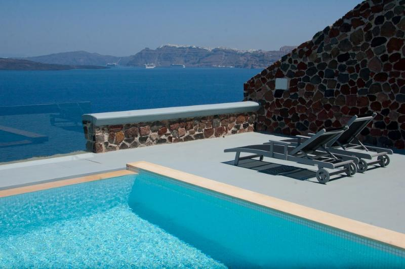 Blue Villas |Infinity Cave | Private suites - Image 1 - Akrotiri - rentals
