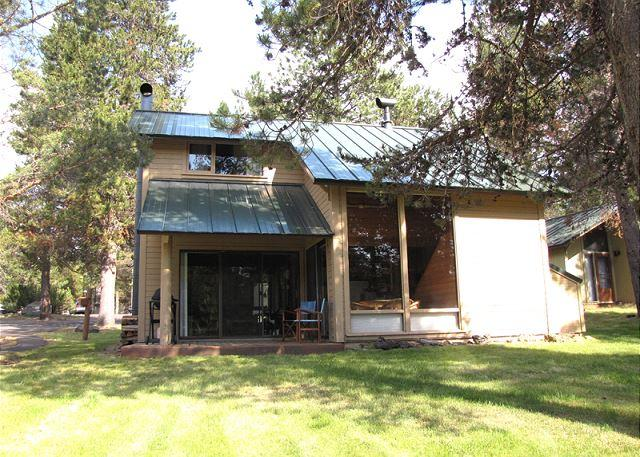 Stand Alone Condo with Unobstructed Woodland View, Pet Friendly. - Image 1 - Sunriver - rentals