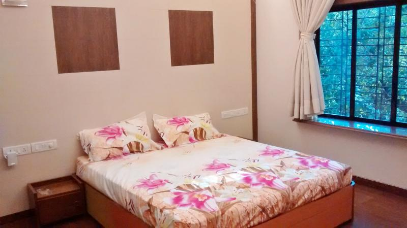 Apartment In Mumbai-City Centre (Hinduja Hospital) - Image 1 - Mumbai (Bombay) - rentals