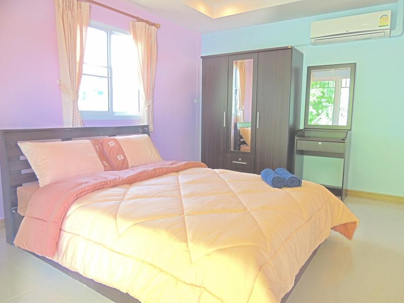 Seaview master bedroom - Beach front 2 bedroom apartment seaview balcony - Chalong Bay - rentals