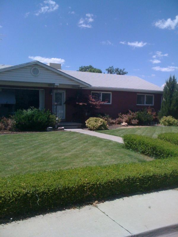 Beautiful quiet established home in excellent neighborhood - Beautiful 4 bed/2 bath home. Provo near BYU & UVU - Provo - rentals