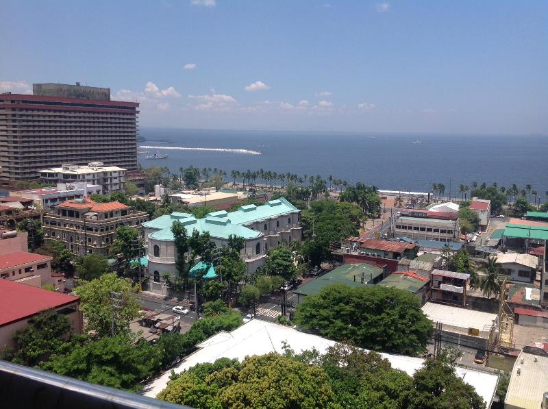 View from balcony - Gorgeous Condo Unit in Malate/ Manila - Manila - rentals