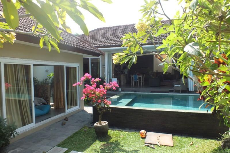 Pool, Villa and Bungalow View - Family Villa with sep.Bungalow quiet save on 300sq - Seminyak - rentals