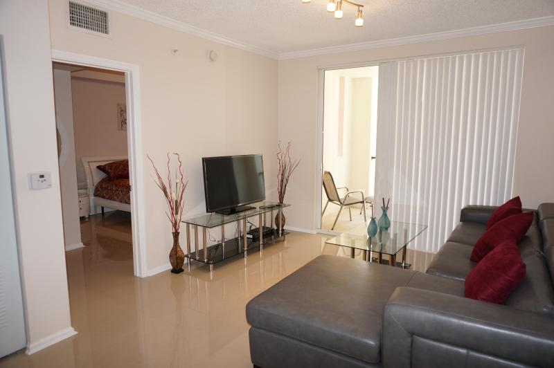 LIVING ROOM - Porto Belagio 2/2 Beautiful Condo 7TH FL - Sunny Isles Beach - rentals