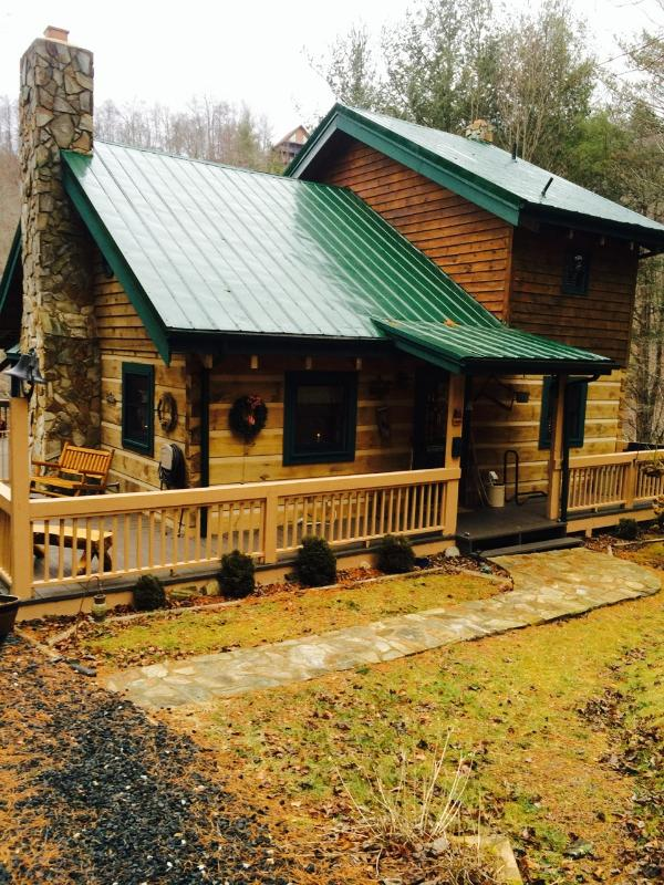 Kokomo on the River-- log home on the North Fork of the River - Kokomo on the River - Lansing - rentals