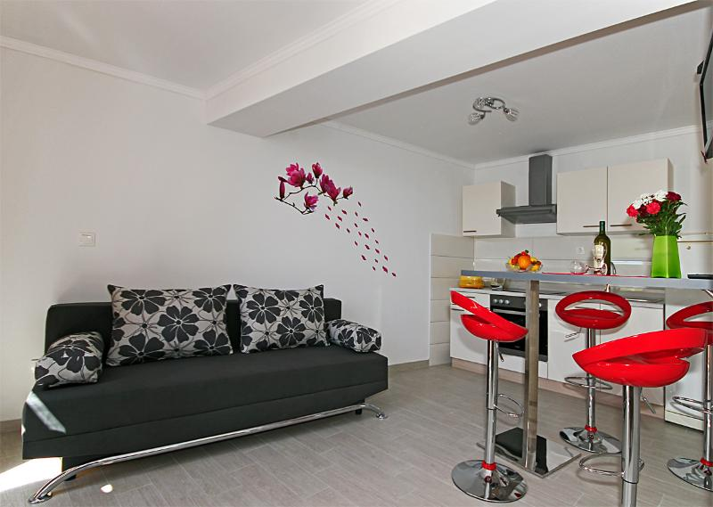 Dubrovnik Apartment NINA-MODERN, NEAR THE BEACH - Image 1 - Dubrovnik - rentals
