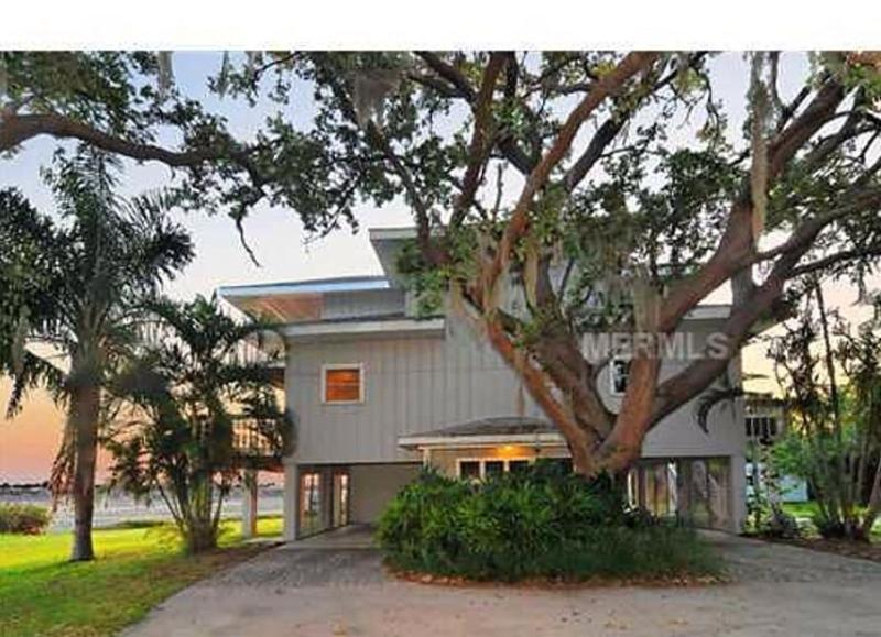 3BR/3BA Pvt Waterfront Home w/Perfect Sunset Views - Image 1 - Palmetto - rentals