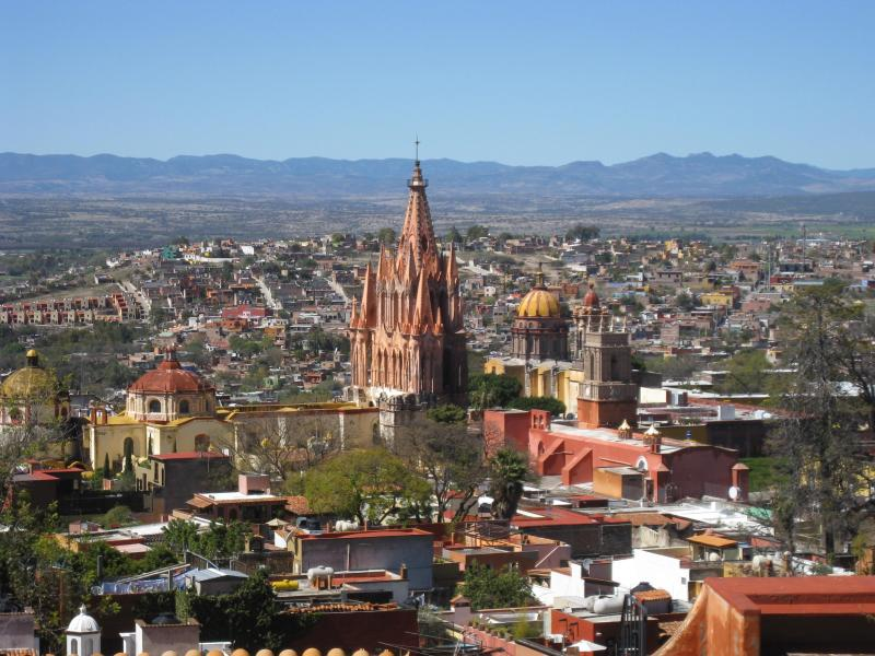 Your view! Stunning roof top views of town, mountains and sunsets - Centro Colonial Charm - Stunning Views - San Miguel de Allende - rentals