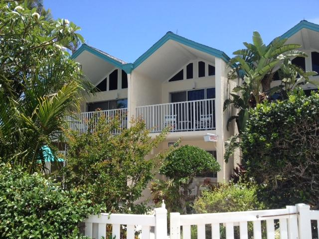 Coconuts Two Bedroom Unit 118 Upstairs Courtyard - Image 1 - Holmes Beach - rentals