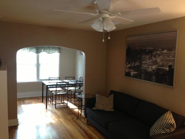 Main living area - Walk to Everything on North Shore - Apt. Sleeps 4 - Chattanooga - rentals