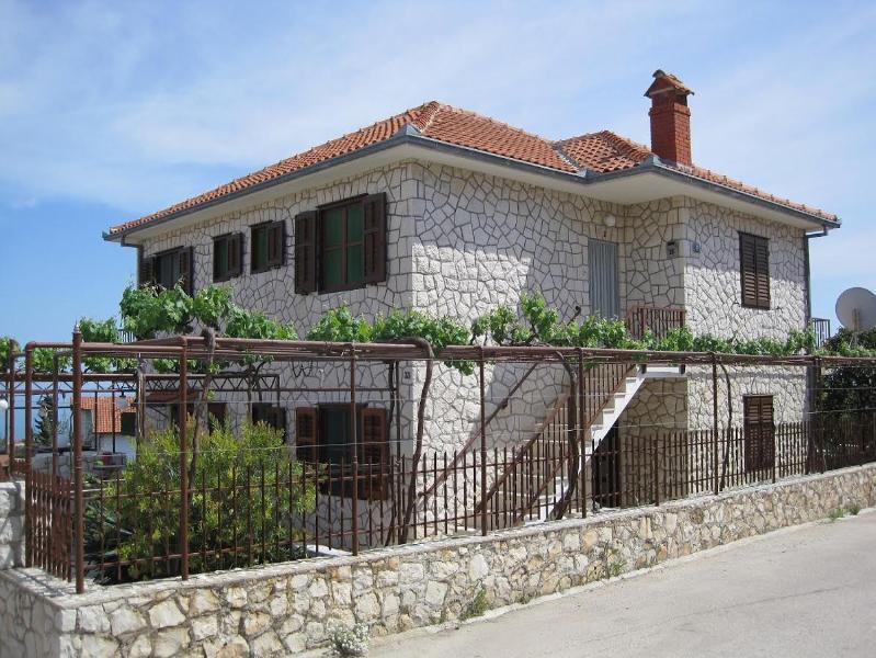 House Radmilo near see - Image 1 - Okrug Gornji - rentals