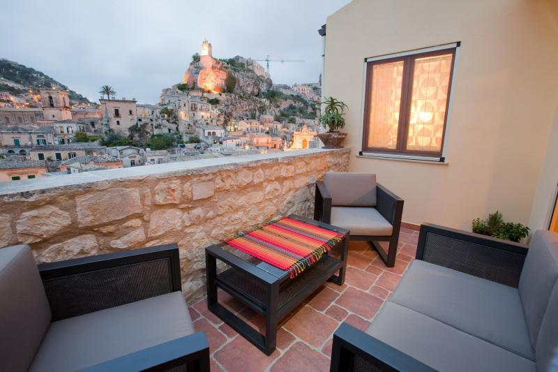 view from Terrace - Restored heritage home with a panoramic views in a secure setting - Modica - rentals