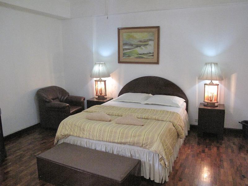 Bedroom - Suite 703, Spacious 1Br. Apartment Makati Aveneu - Makati - rentals