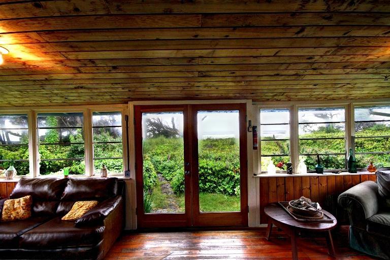 Entryway - Rustlewood - Arch Cape - rentals