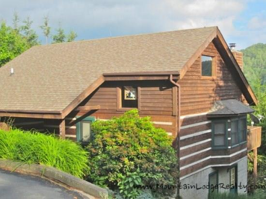 Grandfather View 4 Bedroom Log Cabin with Pool Table, Hot Tub and Nice Mountain Views - Grandfather View Cabin - Banner Elk - rentals