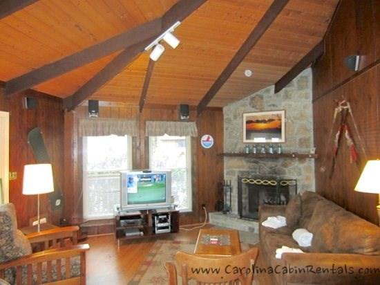 Village Creek Living Room with wood burning fireplace - Village Creek - Beech Mountain - rentals