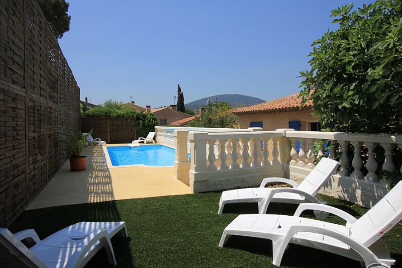5 bedroom Villa in Ste Maxime, Cote d'Azur, France : ref 1718815 - Image 1 - Saint-Maxime - rentals