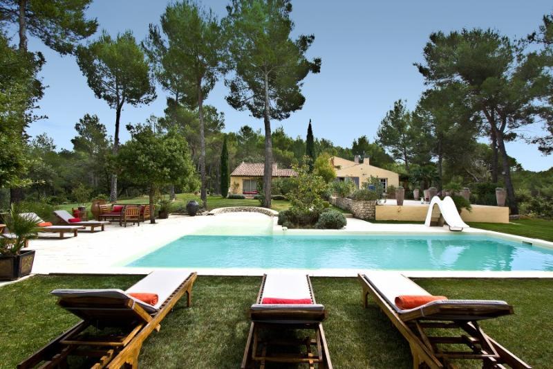 5 bedroom Villa in Pertuis, Provence, France : ref 1718347 - Image 1 - Pertuis - rentals